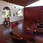 sophie-teaches-locust-shalabhasana-yoga-teacher-training-peru